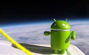 La mascotte d'Android, envoyé dans l'espace par Google en décembre 2010