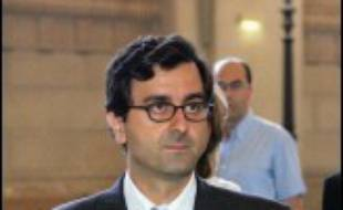 """Imad Lahoud, 38 ans, est soupçonné d'être le falsificateur des listings de comptes adressés au juge Renaud van Ruymbeke en 2004, qui ont provoqué l'ouverture d'une information judiciaire. Il a été mis en examen le 9 juin pour """"dénonciation calomnieuse"""" et """"faux et usage de faux""""."""