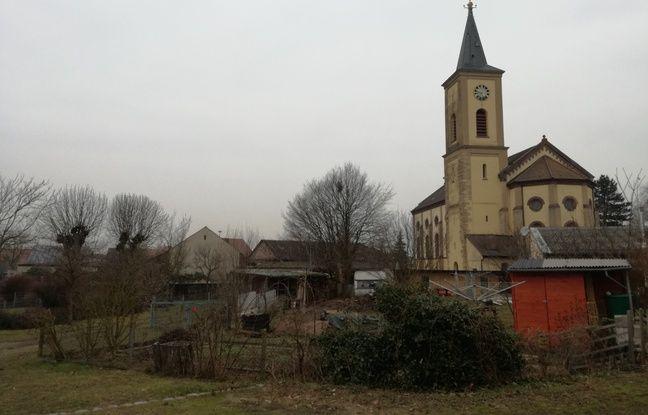 A Bremgarten, les habitants hésitent entre oubli et inquiétude, par habitude de vivre à proximité de Fessenheim.