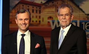 Norbert Hofer et Alexander van der Bellen lors d'un débat télévisé le 19 mai 2016.