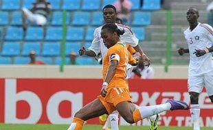 En attendant de retrouver son football et des individualités à la hauteur de leur réputation, la Côte d'Ivoire doit s'en remettre pour le moment au seul talent de Didier Drogba, son sauveur dimanche contre le Soudan (1-0) à Malabo.