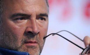 """Pierre Moscovici, directeur de campagne de François Hollande, a relevé mardi que les menaces portant sur la note financière maximale de la France marquaient une """"défiance"""" sur sa gestion, tout en souhaitant le maintien du AAA."""