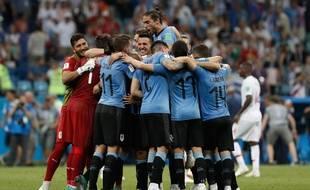 La joie des Uruguayens après leur victoire contre le Portugal en 8e de finale de la Coupe du monde 2018.