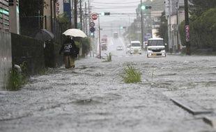 Une rue inondée dans le département de Miyazaki (sud du Japon) le 3 juillet 2019.