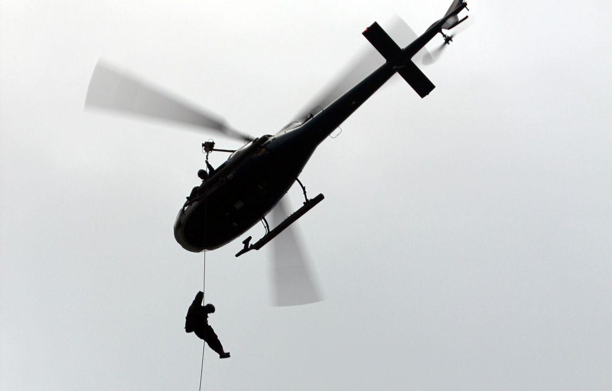 Illustration d'un sauvetage en hélicoptère de la gendarmerie, ici lors d'un exercice au-dessus de Rennes. – C. Allain / APEI / 20 Minutes