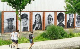 Le canal de l'Ourcq accueille en juillet 2013 l'exposition Inside out : L'Ourcq mon amour de JR à Paris.