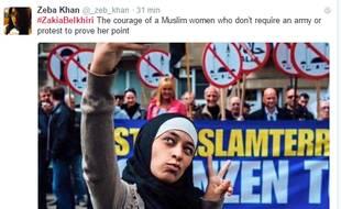 Zakia Belkhiri, une musulmane belge de 22 ans, a forcé l'admiration de nombreux internautes sur les réseaux sociaux en faisant des selfies devant une manifestation anti-Islam à Anvers (Belgique) la 14 mai dernier.