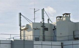 De plus en plus d'associations demandent le démontage des antennes-relais.