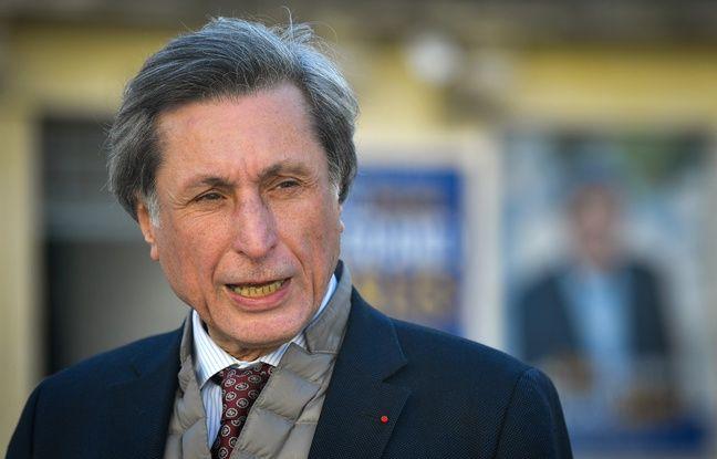Elections municipales à Arles: Patrick de Carolis en tête devant l'héritier du maire sortant