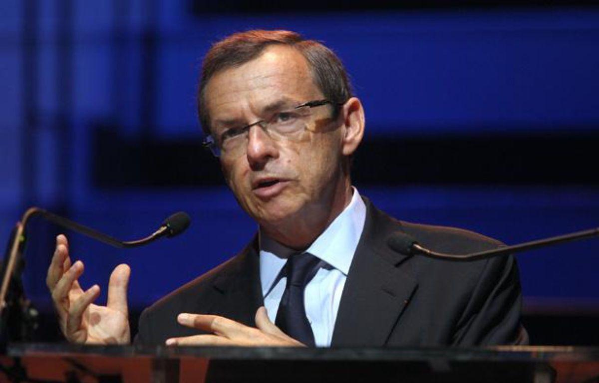 Alain Weill, président du groupe NextRadioTV (BFM, RMC, BFM TV...), le 2 septembre 2011 au Musée du Quai Branly.   – AFP PHOTO/PIERRE VERDY