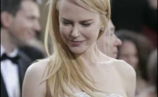 Des dizaines de vedettes ont défilé dimanche après-midi sur le tapis rouge à l'entrée du théâtre Kodak à Hollywood, l'écrin des 78e Oscars entouré de mesures de sécurité draconiennes.