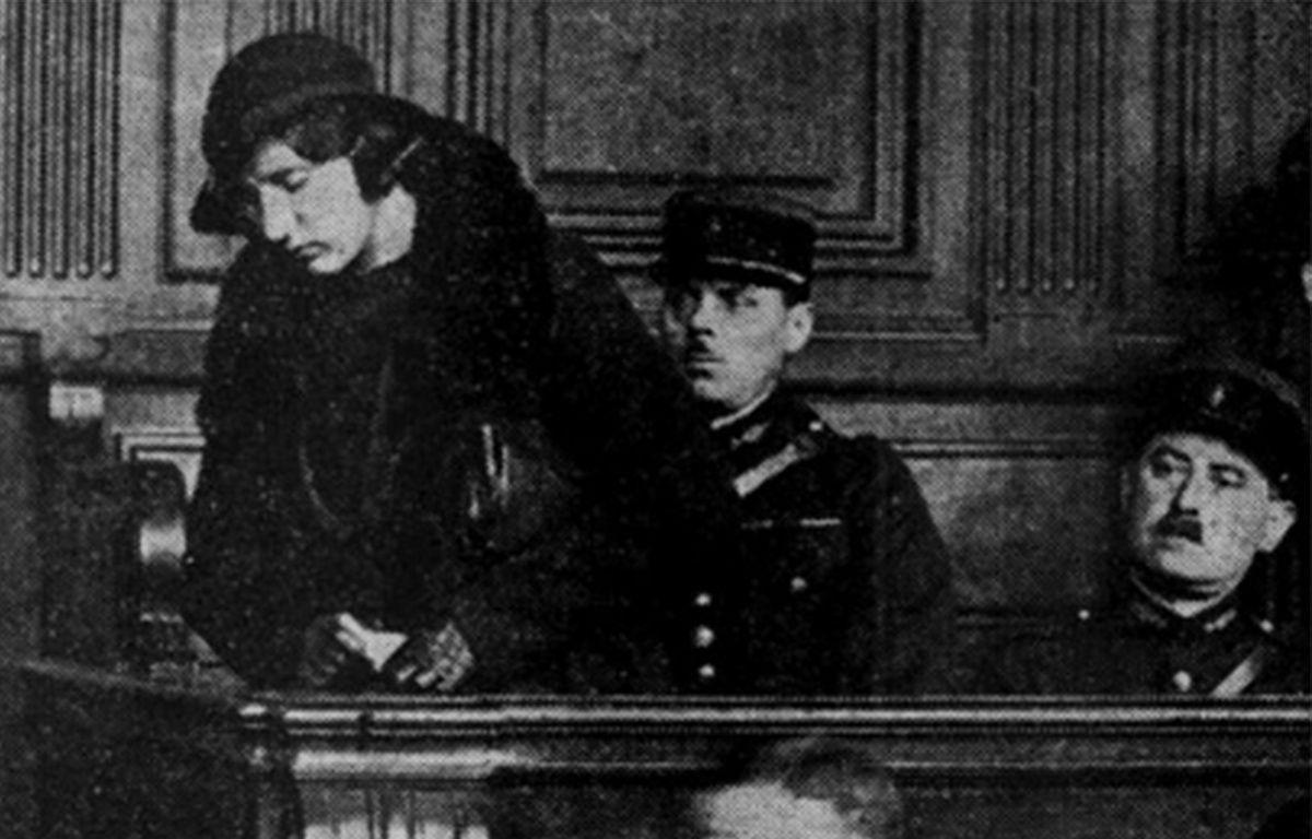 Violette Nozière lors de son procès à Paris en 1934. – RETRONEWS/BNF