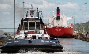Le canal de Panama souffle mercredi ses 98 bougies sur fond de retards accusés par ses travaux d'élargissement qui devraient reporter à 2015 l'inauguration de la nouvelle voie navigable au lieu de 2014, année de son centenaire.