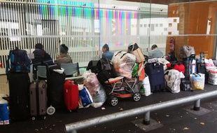 Des migrants dorment aux Urgences du CHU de Nantes.