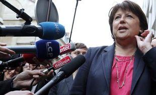 La maire de Lille Martine Aubry a souhaité lundi que l'Etat trouve des terrains pour accueillir les Roms dont les campements ont été évacués, notamment près de Lille début août.