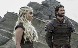 Emilia Clarke et  Michiel Huisman dans «Game of Thrones».