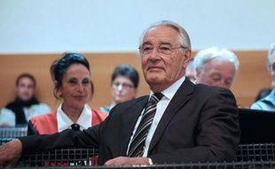 L'ancien maire Jacques Peyrat a du mal à accepter sa défaite.