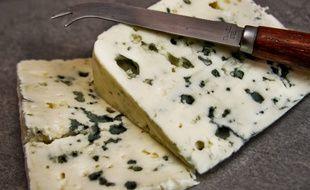 Comme de nombreux sous signe de qualité, le Roquefort est de niveau E selon le système d'étiquetage nutritionnel Nutri-Score.