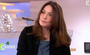 Carla Bruni dans l'émission «C à vous» de France 5, le 8 mars 2012.