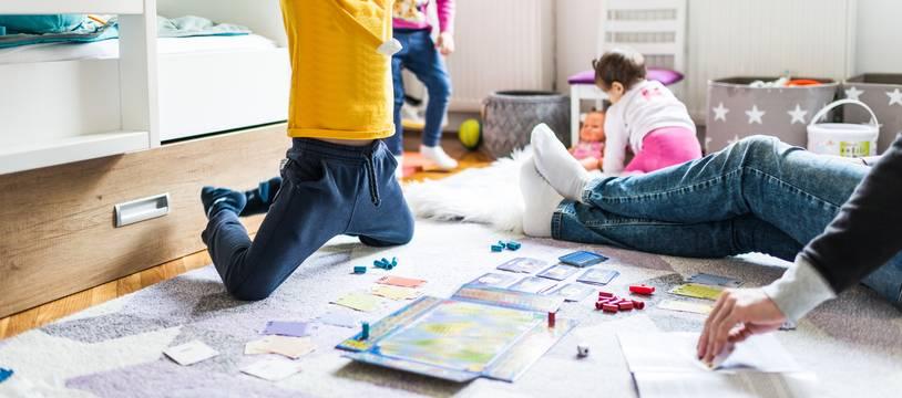 En espérant que vos petits protégés aient autant de plaisir que celui-ci au moment d'ouvrir leurs cadeaux, et d'y jouer.