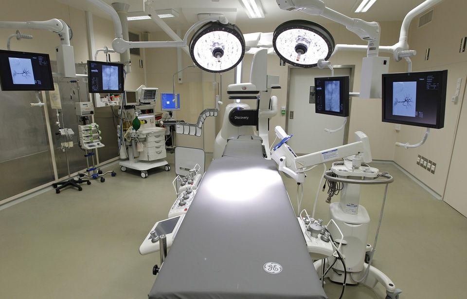 Un patient du CHU a été opéré du cœur sous hypnose 960x614_salle-operation-hopital-cardiologique-chru-lille-illustration