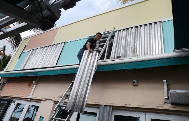 L'ouragan Dorian progressait vendredi au-dessus de l'Atlantique en direction de l'Etat américain de Floride, où les habitants se préparaient à évacuer.
