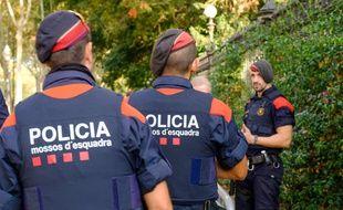 Des policiers des Mossos d'Esquadra à Barcelone en octobre 2017