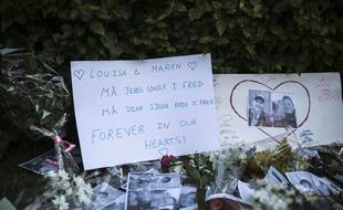 Une veillée a été organisée devant l'ambassade de Norvège à Rabat au Maroc où deux étudiantes scandinaves ont été assassinées.