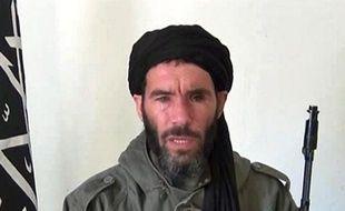 Capture d'écran non datée d'une vidéo obtenue par l'agence mauritanienne ANI, montrant l'ancien dirigeant d'Al Qaida au Maghreb islamique (Aqmi) Mokhtar Belmokhtar