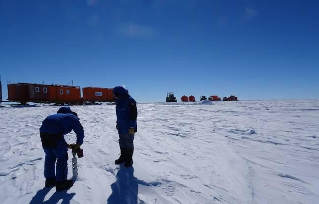Pour vérifier si l'accumulation de neige a augmenté sur le plateau de l'Antarctique, les scientifiques du raid EAIIST ont prélevé six tonnes de glaces tout au long de leur mission.