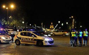 Des policiers en colère contre la  mise en examen d'un collègue pour homicide, le 26 avril 2012.