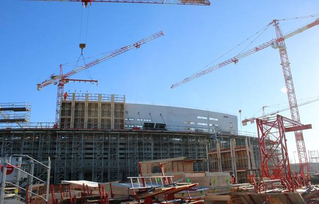 Le 6 janvier 2017, façade avant de la future Bordeaux Métropole Arena, à Floirac