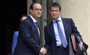 François Hollande et Manuel Valls à l'issue du Conseil des ministres le 27 août 2014 à l'Elysée à Paris
