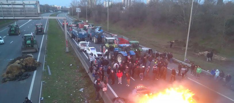 Les agriculteurs en colère le 7 février 2018 sur la rocade de Toulouse.