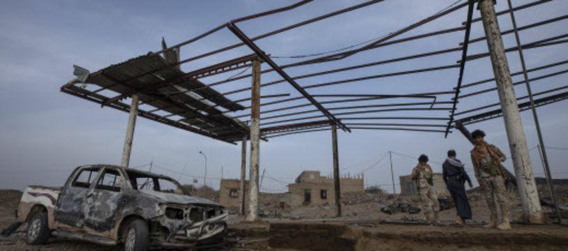 Une station essence détruite après une attaque à Marib, au Yémen, le 20 juin.