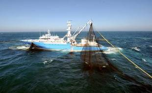 La France a regretté lundi qu'une étude internationale accusant les pêcheurs d'avoir sciemment dépassé leurs quotas de thon rouge entre 1998 et 2007 et les autorités d'avoir laissé faire, se réfère à des pratiques révolues depuis 2007.