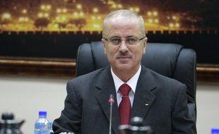 Moins de trois semaines après sa nomination, le Premier ministre palestinien Rami Hamdallah a présenté sa démission le 20 juin 2013.