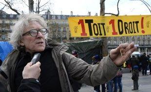 Le président de Droit au logement (DAL), Jean-Baptiste Eyraud, le 5 avril 2015 place de la République, à Paris