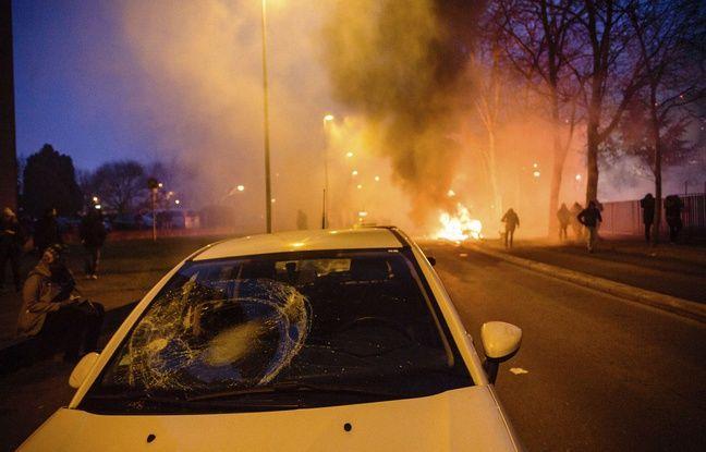 Une manifestation pacifique en soutien à Théo à Bobigny a dégénéré, le 11/02/2017.