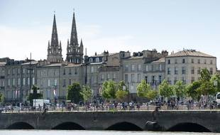 Illustration immobilier, les quais à Bordeaux.
