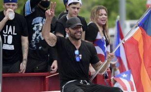 Le chanteur Ricky Martin  s'est joint au cortège avec d'autres personnalités.