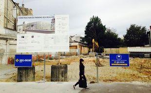 Travaux de construction d'un parking barrière du Médoc pour la ligne D du tram à Bordeaux