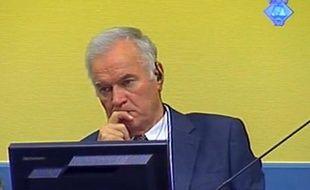 Capture d'écran de l'ex-chef des forces armées serbes Ratko Mladic le 9 juillet 2012 à la Haye