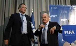 Jérôme Valcke et Sepp Blatter, anciens dirigeants de la Fifa, ici le 19 décembre 2014 à Marrakech.