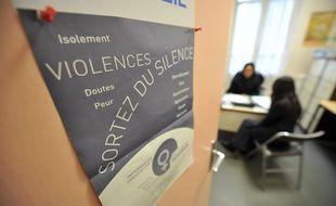 Illustration accueil de femmes au Savim Service d'aide aux victimes. Creation d'appartements pour femmes battues.