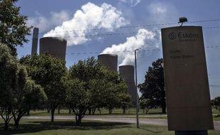 La compagnie d'électricité sud-africaine Eskom a fait renvoyer plus d'un millier d'ouvriers de sa centrale à charbon géante en construction de Medupi (nord-est) après un débrayage sauvage
