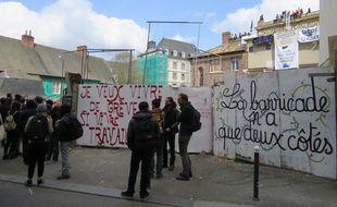 La salle de la Cité, lors de la première occupation par des opposants à la loi Travail.