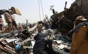 Au moins 43 personnes sont mortes dans un accident ferroviaire impliquant deux trains, au Pakistan, le 7 juin 2021
