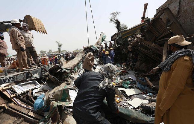 648x415 au moins 43 personnes sont mortes dans un accident ferroviaire impliquant deux trains au pakistan le