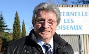 Raymond Couderc, le sénateur-maire (UMP) de Béziers, a annoncé samedi soir qu'il ne briguerait pas un quatrième mandat lors des élections municipales de 2014, laissant sa place à un proche, le député (UMP) de l'Hérault Elie Aboud.